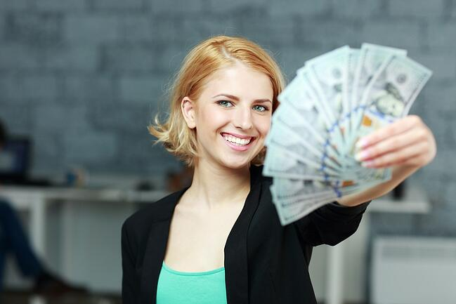 Which is better: Online Payday or In Store Payday Loan?